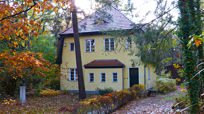 peter huchel haus in wilhelmshorst. Black Bedroom Furniture Sets. Home Design Ideas
